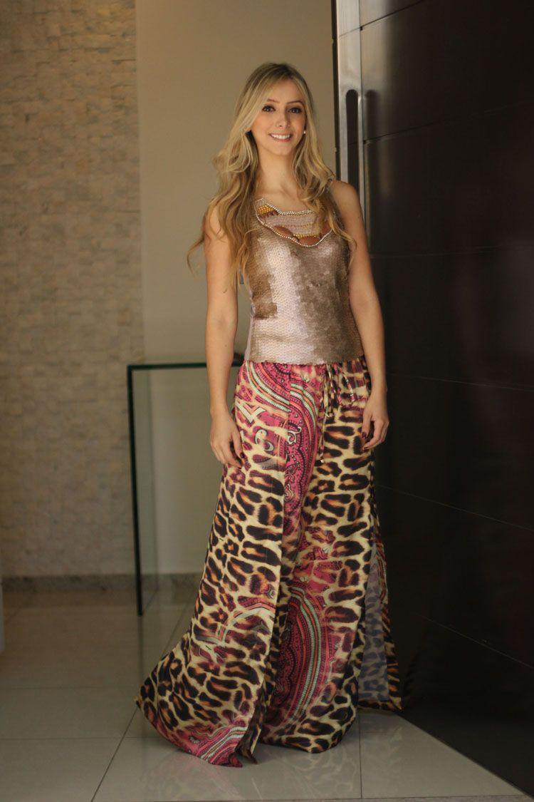 a6fdcb713 look-strass-pajama-pants-pantalona-estampada-calca-oncinha-regata -rose-paetes-maxi-colar