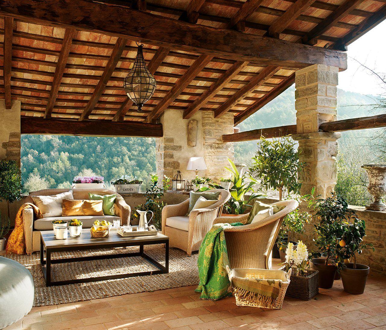 Una casa r stica con toques de estilo franc s ii for Patios y jardines