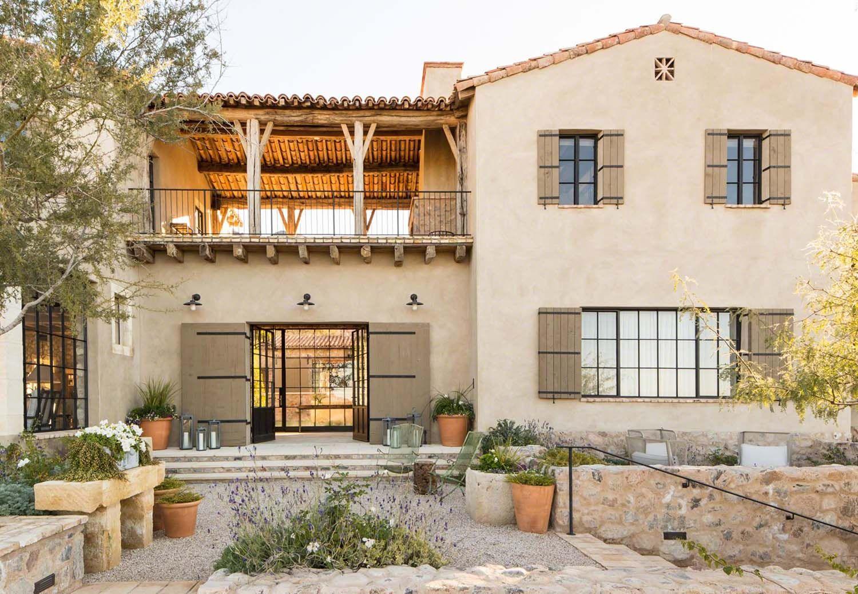 Traumhaus im mediterranen Stil mit rustikalem Interieur in der Wüste von Arizona #rusticinteriors