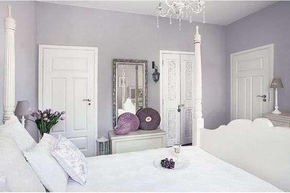Prima di dipingere le parete di una stanza da letto si deve tener conto di diversi elementi : Ùッドルーム Panosundaki Pin