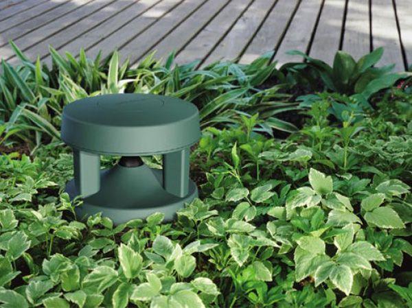 Bose Outdoor Speakers 2 Thecoolist The Modern Design Lifestyle Outdoor Speakers Backyard Oasis Outdoor