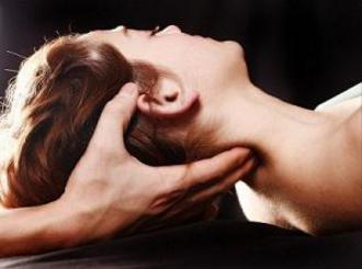 Fisioterapia entra na luta contra enxaqueca Tratamento contra enxaqueca ganha importante aliado. Para amenizar a dor crônica que acompanha significativa parcela da população em todo o mundo, estudos da USP de Ribeirão Preto comprovaram a eficácia da fisioterapia associada ao tratamento convencional com medicação