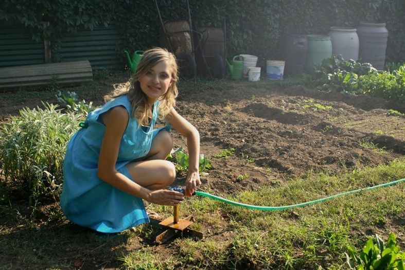 How To Grow A Garden With Minimal Space With Images Gardens Of