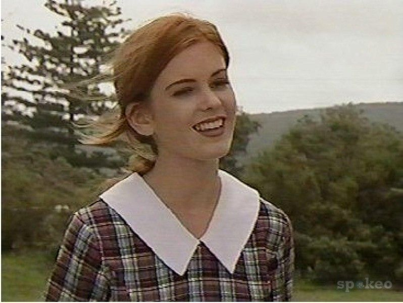 Isla Fisher In Home And Away See Best Of Photos Of The Actor Isla Fisher Home And Away Isla