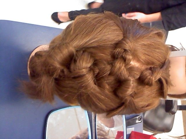 Knotted up-do