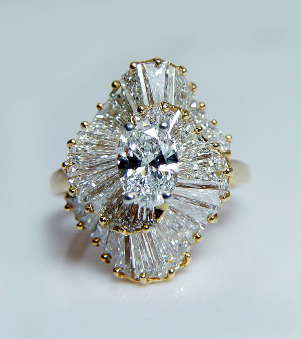 Oscar Heyman o.71ct (total 3.76ct) diamond ring.