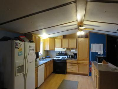 Trailer Home Located In Quiet Shamrock Park Right Off Of Highway 94 2 Bed