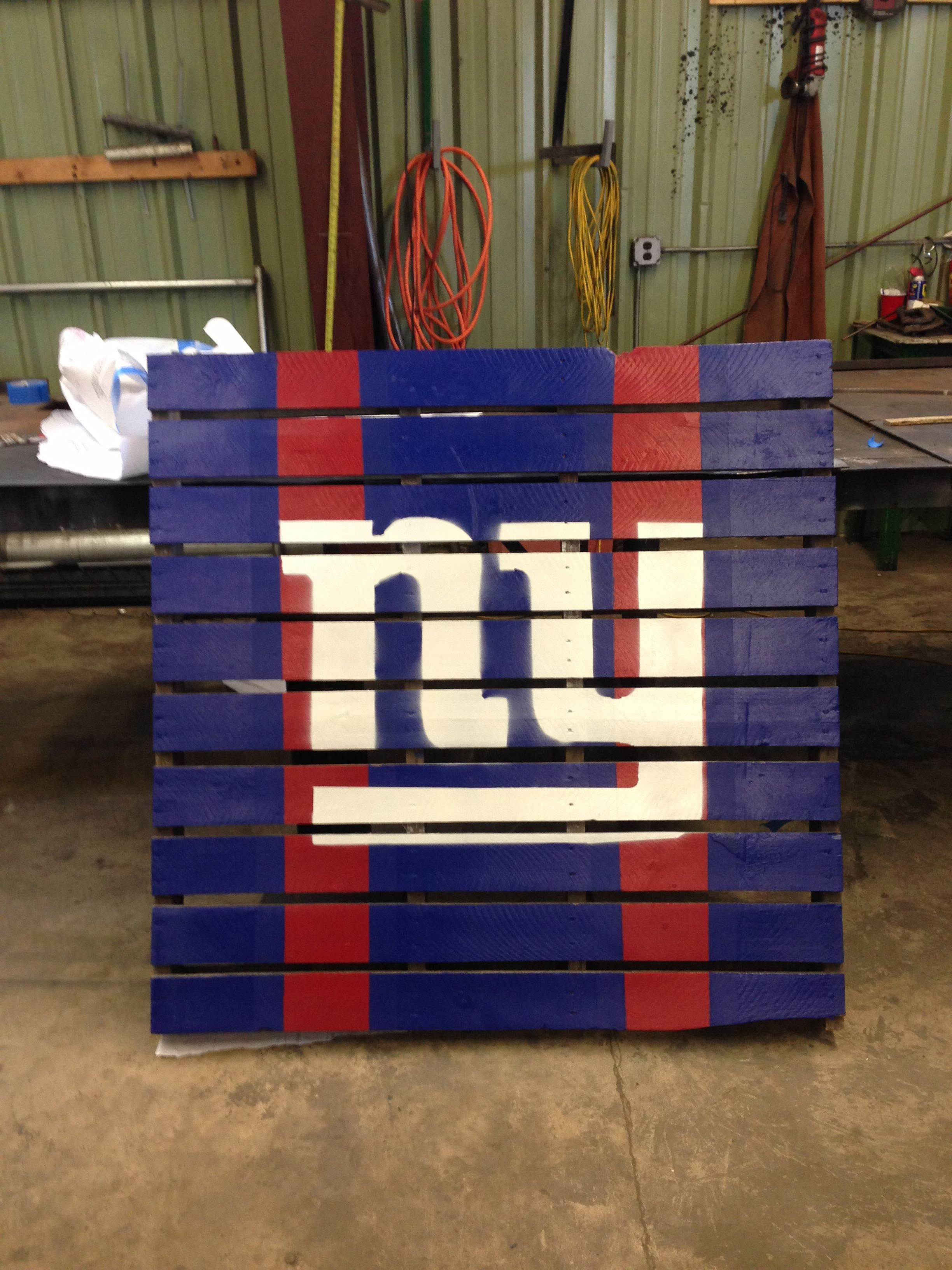 New York Giants Pallet Giants Decor Diy Wooden Projects Sports Decorations
