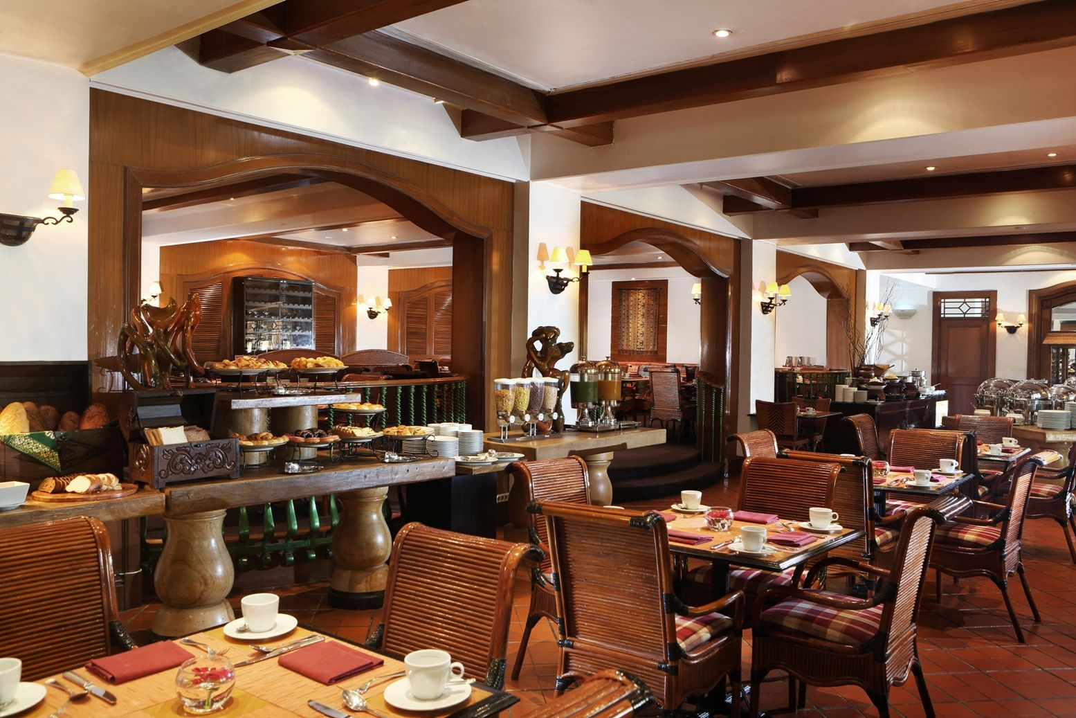 Located At The Lobby Level El Patio Offers All Day Dining And Buffets As