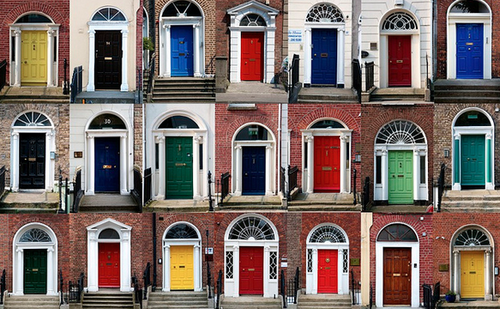 5 most welcoming colors to paint your front door in 2019 - Front door colors for brick houses ...