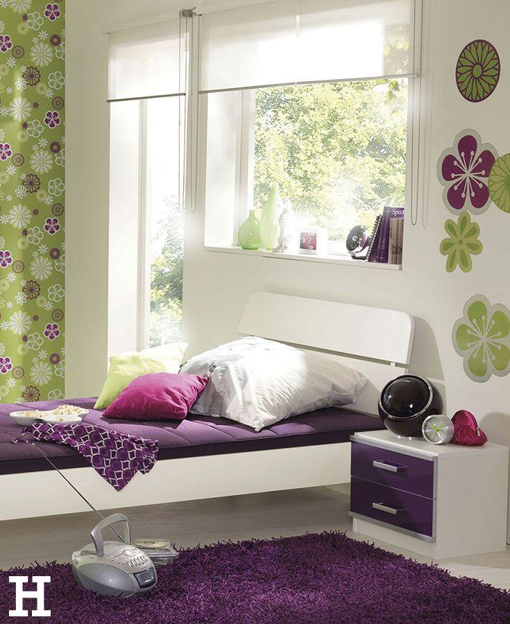 ein farbenfrohes jugendzimmer bett jugendzimmer. Black Bedroom Furniture Sets. Home Design Ideas