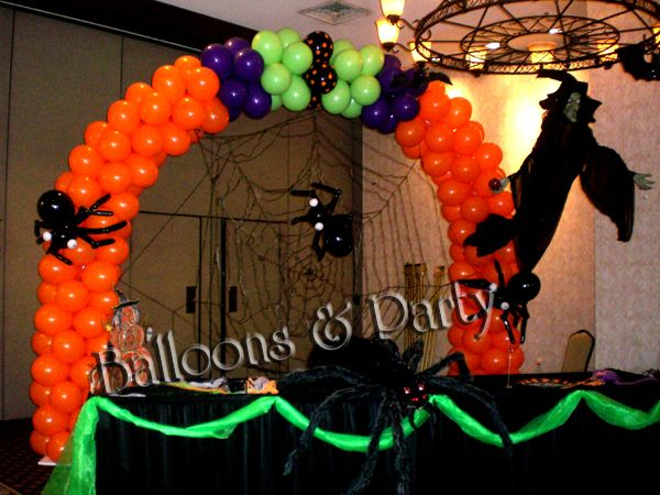 Halloween balloon arch pinterest halloween balloons for Balloon decoration for halloween