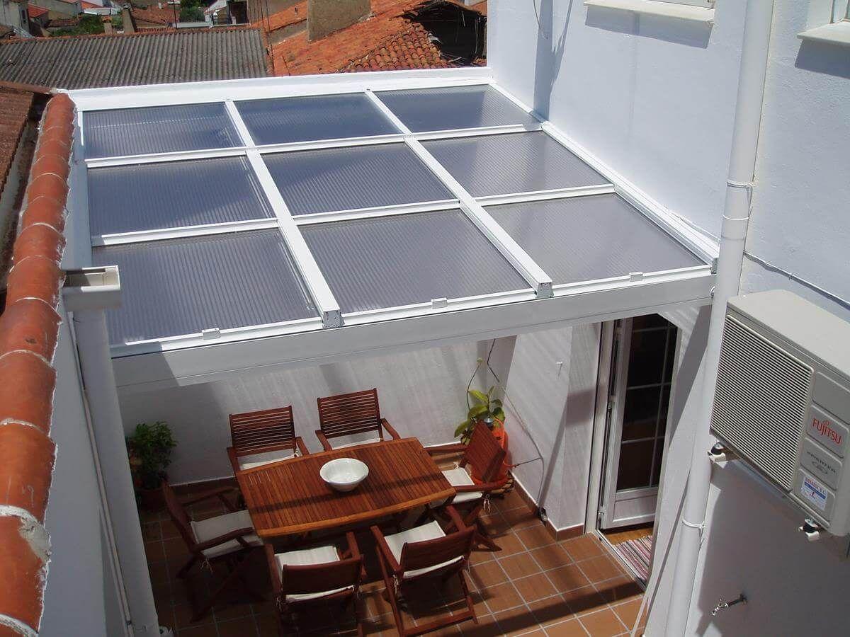 Coberti p rgola de aluminio con techo m vil de cristal en patio p rgola aluminio techo Pergolas de cristal