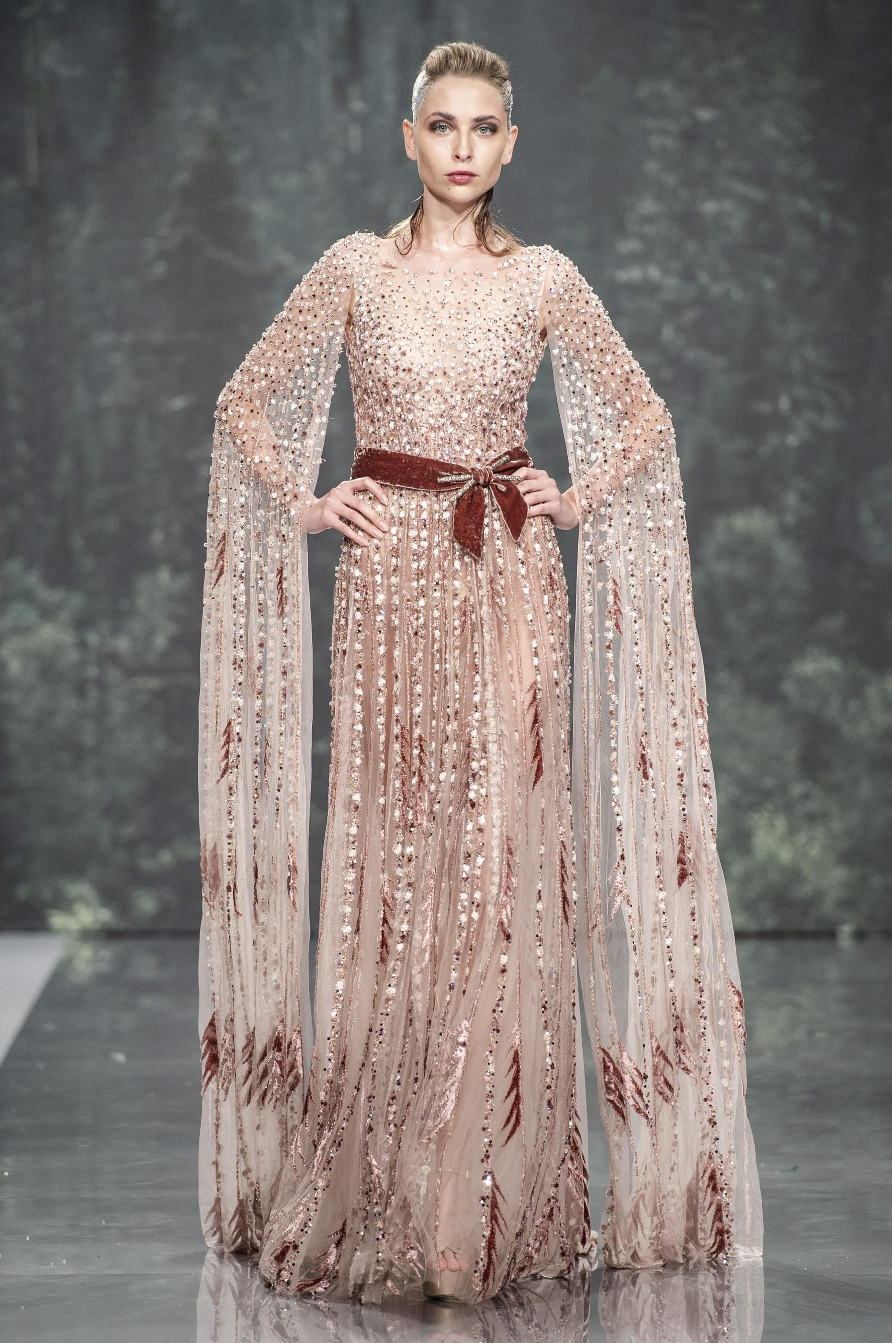 Défilé ziad nakad automnehiver couture beautiful gowns