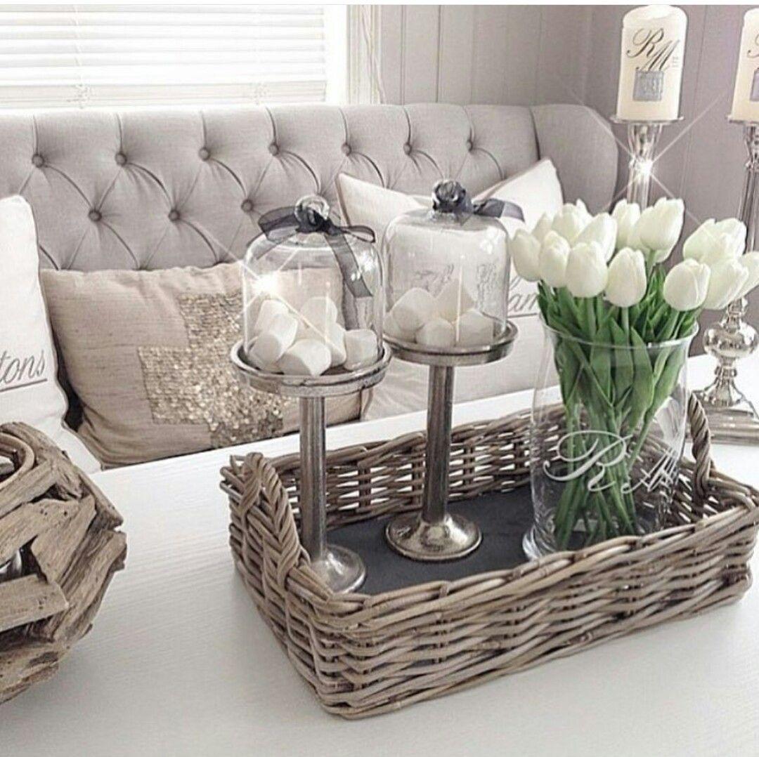 Salon gris et blanc   Déco maison, Déco intérieure, Idee deco salon