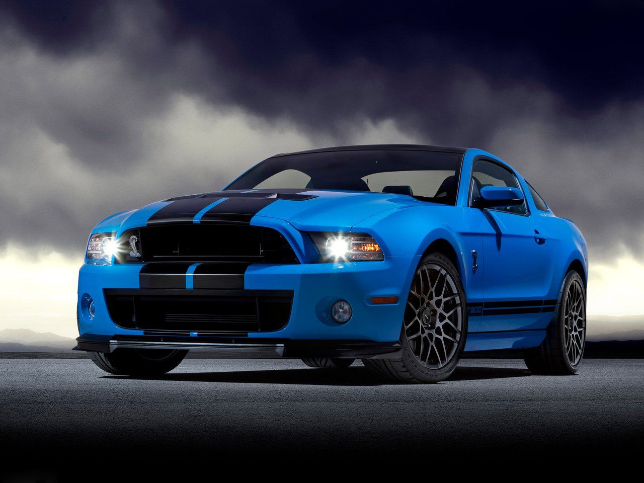 2013 Mustang Shelby GT500.