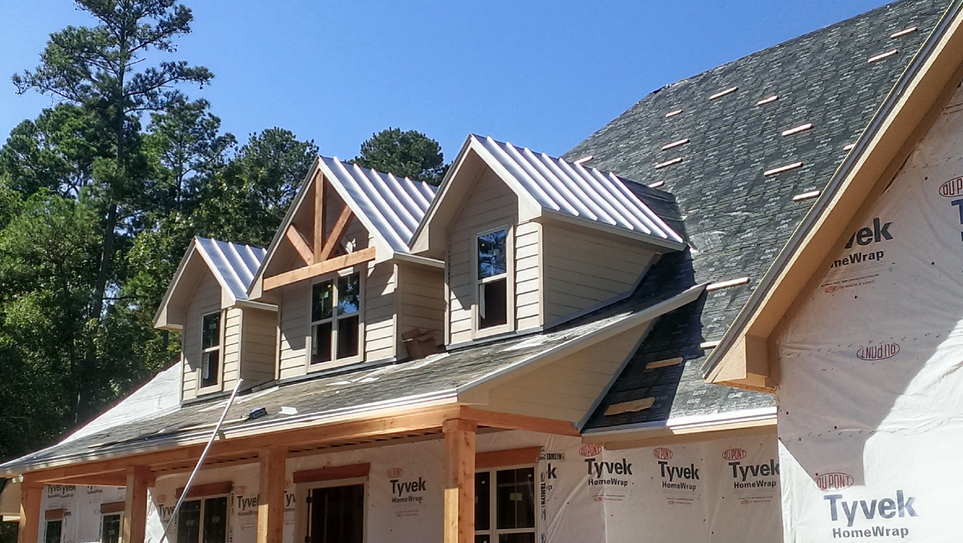 Standing Seam Metal Roof On New Home In Magnolia Texas Metal Roof Standing Seam Metal Roof Standing Seam