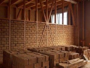 Des briques en terre crue pour une maison 100% écolo