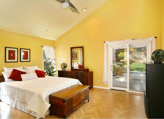 Yellow bedroom walls helps you wake up on the bright side! | Colors ...