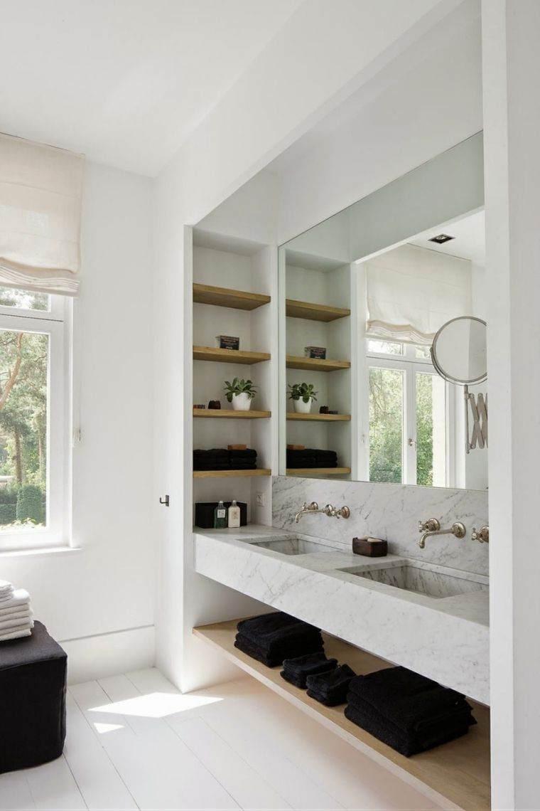 Espejos de baño grandes para decorar el interior -