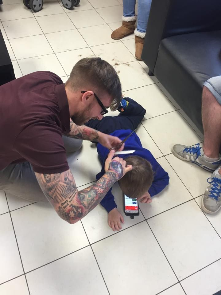 Barber Goes Above And Beyond To Make Boy With Autism Comfortable