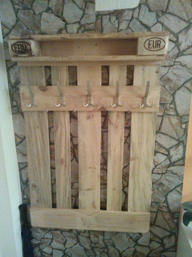 garderobe aus europalette unikat in natur lasiert pallets wood furniture and diy ideas. Black Bedroom Furniture Sets. Home Design Ideas