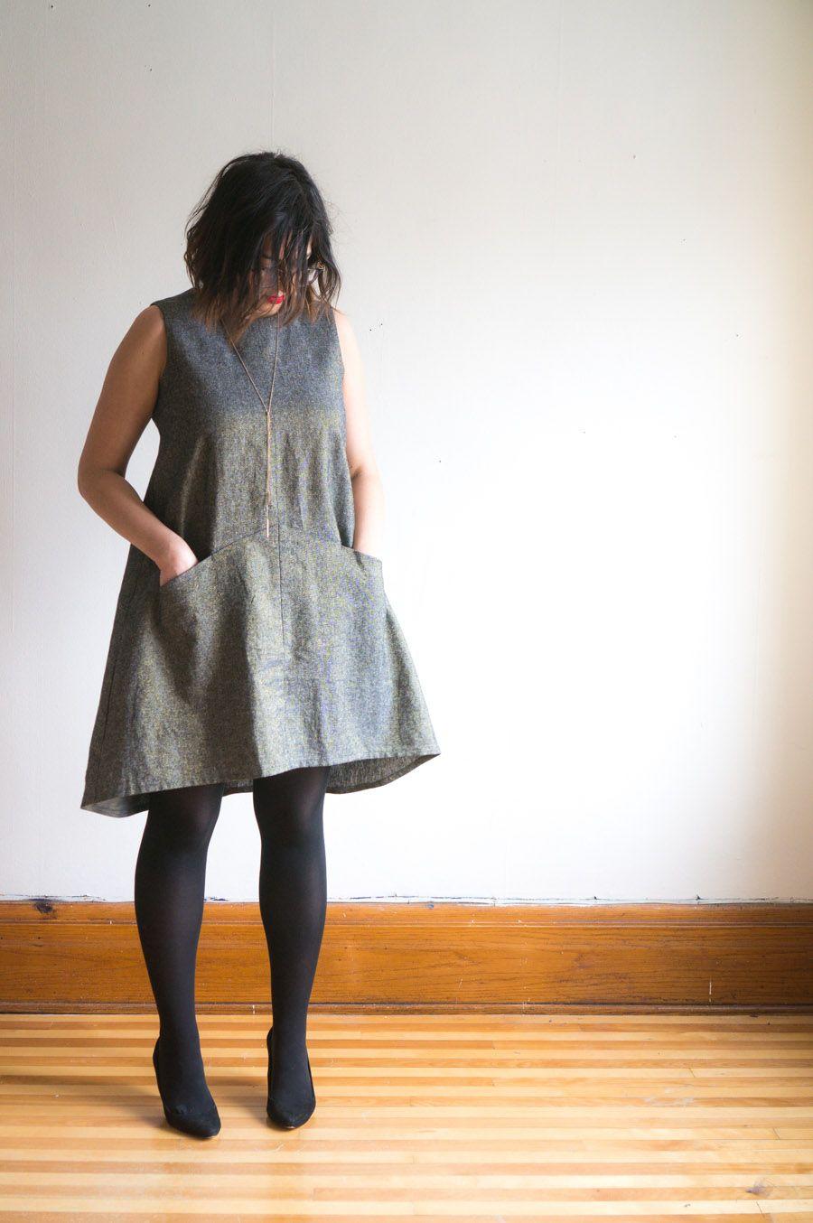 bbb70004d32 I love this Farrow Dress from Grainline Studio in metallic Essex Linen!  https