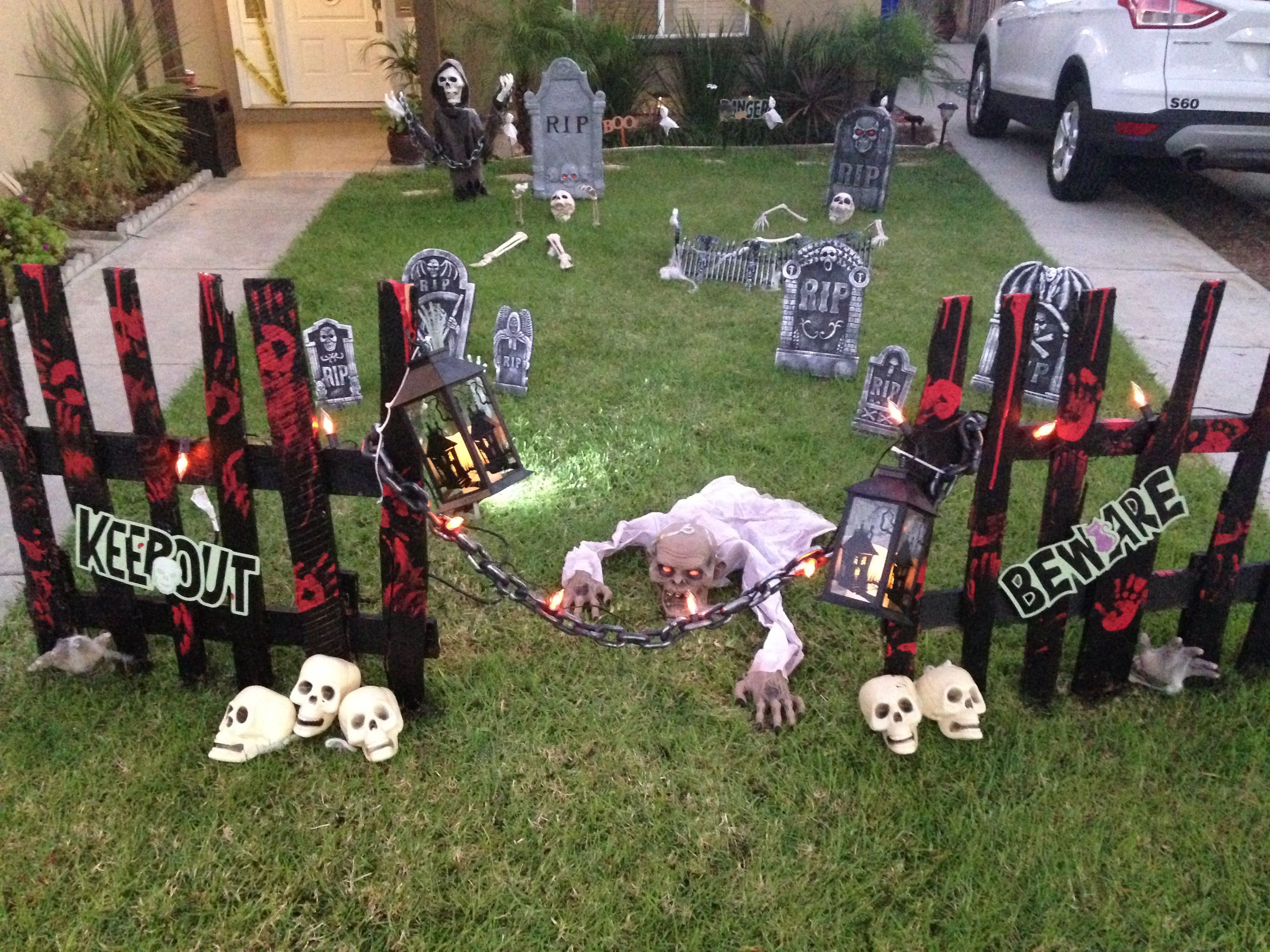 Halloween yard decorations Halloween Pinterest Halloween yard - Halloween Graveyard Decorations