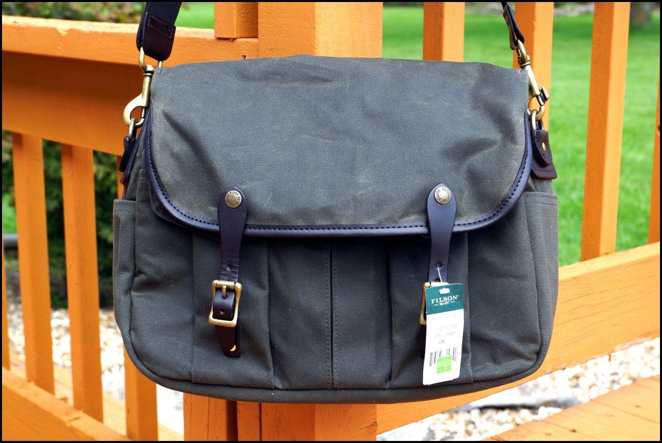 Mens Briefcase :: Professional 16x12x3 Expandable Gentlemans Bag 16x12x3 /& Strap VeganWear /& Strap Expandable Gentleman/'s Bag