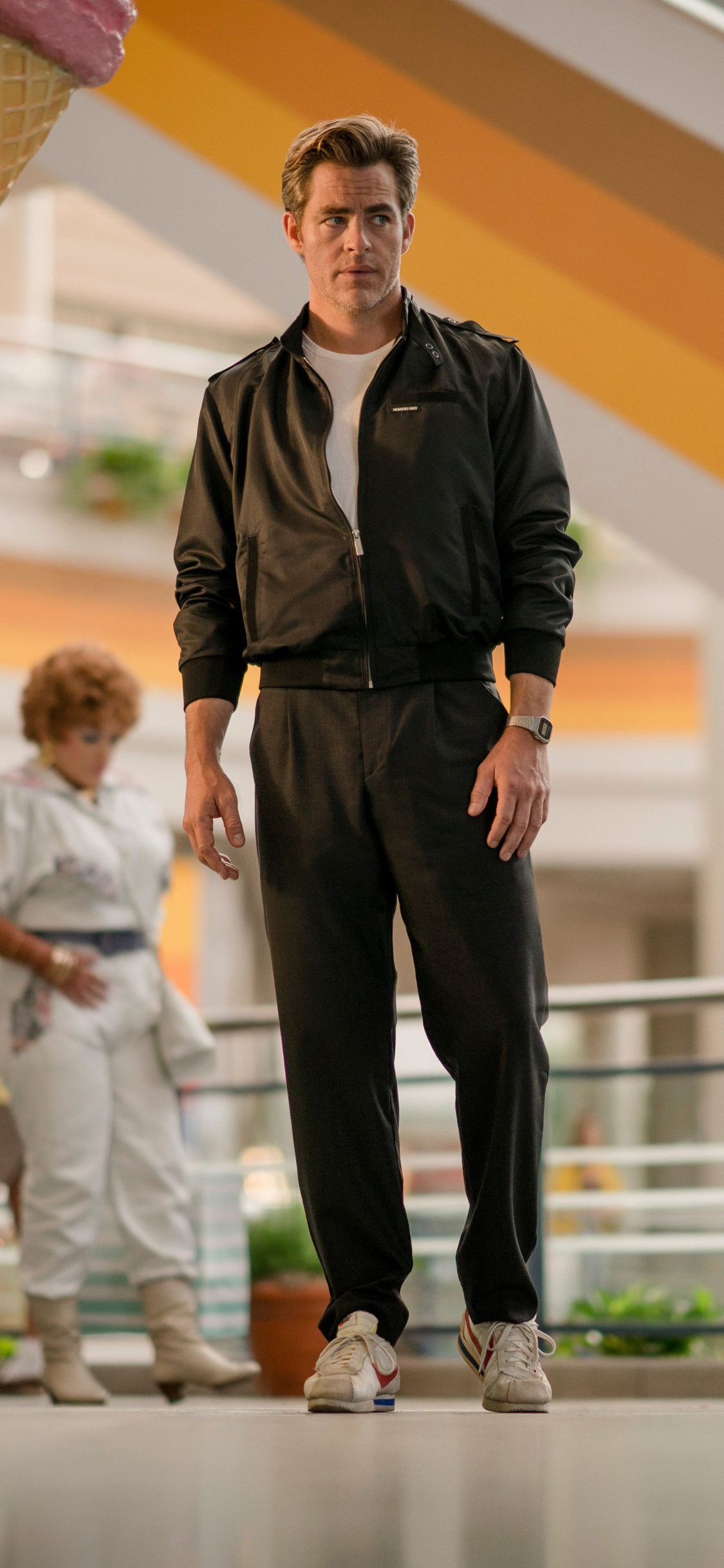 Chris Pine As Steve Trevor Wonder Woman 1984 In 1125x2436 Resolution In 2020 Chris Pine Steve Trevor Chris Pine Movies