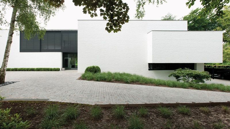 Uccle House by Marc Corbiau - Bureau d\'Architecture | Modern Houses ...