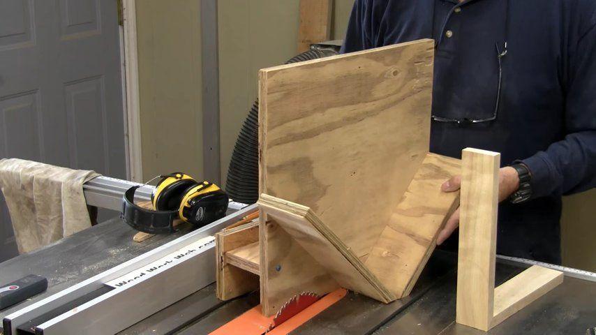 Woodworking Jigs - Beginners #21 - a woodworkweb video