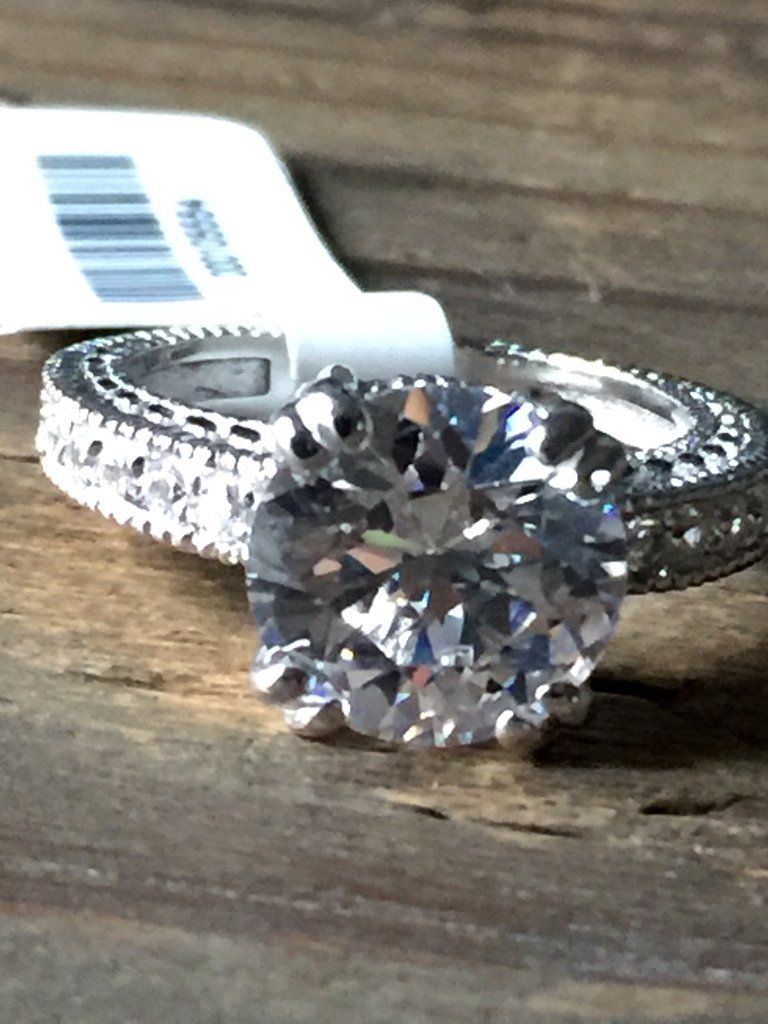 A vintage style ct perfect round cut russian lab diamond