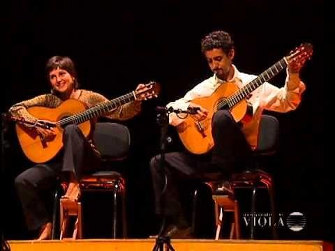 ▶ Duo Siqueira Lima plays D.Scarlatti: 2 Sonatas K27 + K198 - Movimento Violão - YouTube