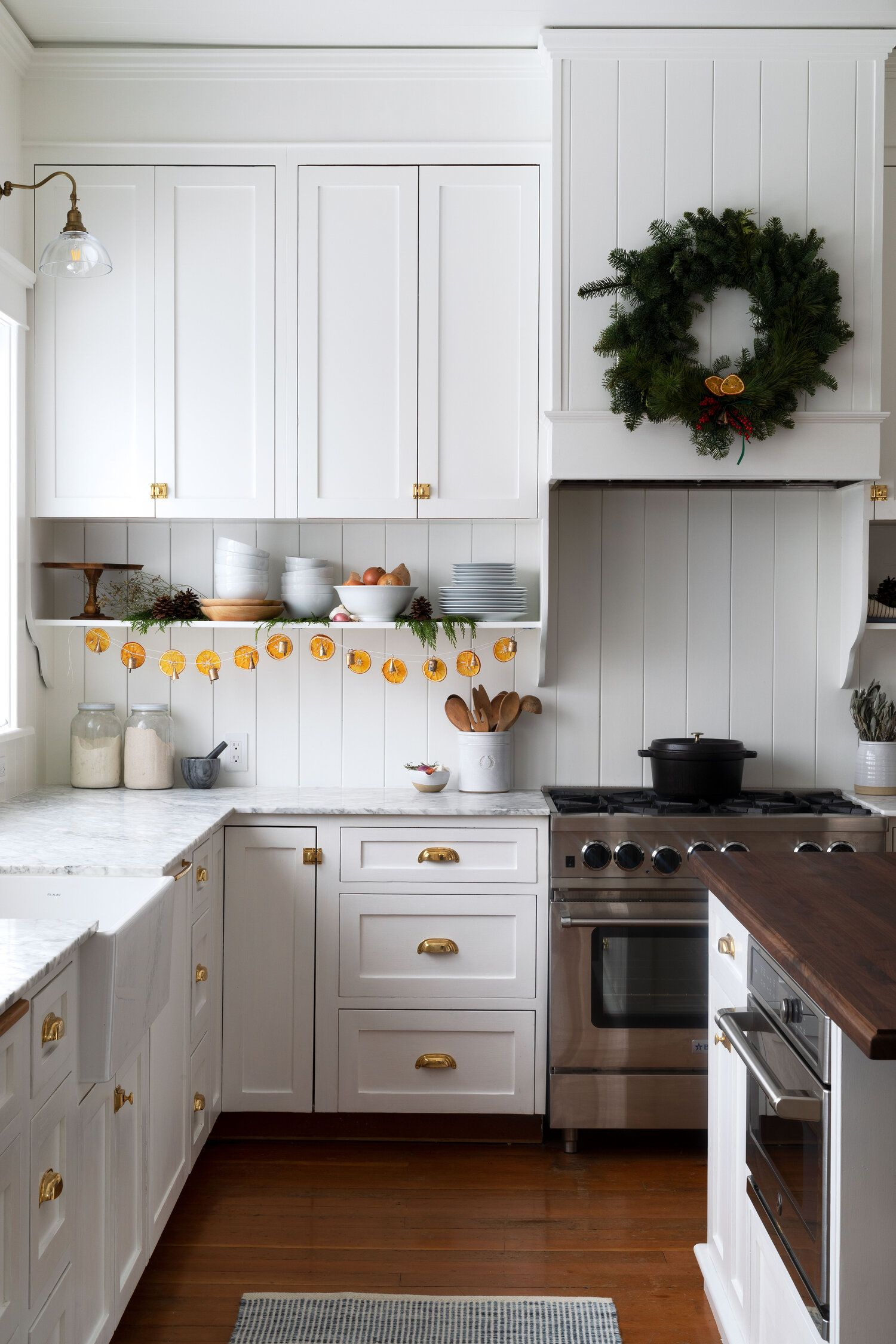 Diy How To Make A Dried Orange Garland And Brass Bell Garland The Grit And Polish Kitchen Remodel Kitchen Design Home Kitchens