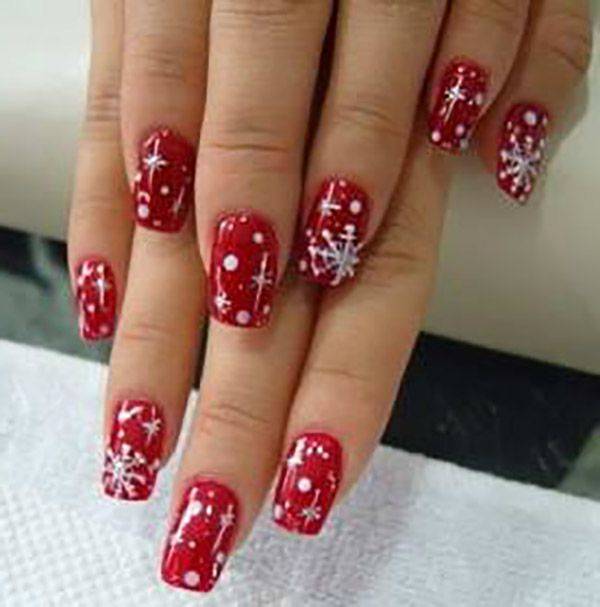 Finding Brilliant Christmas Nail Art Designs to Get Into the ...