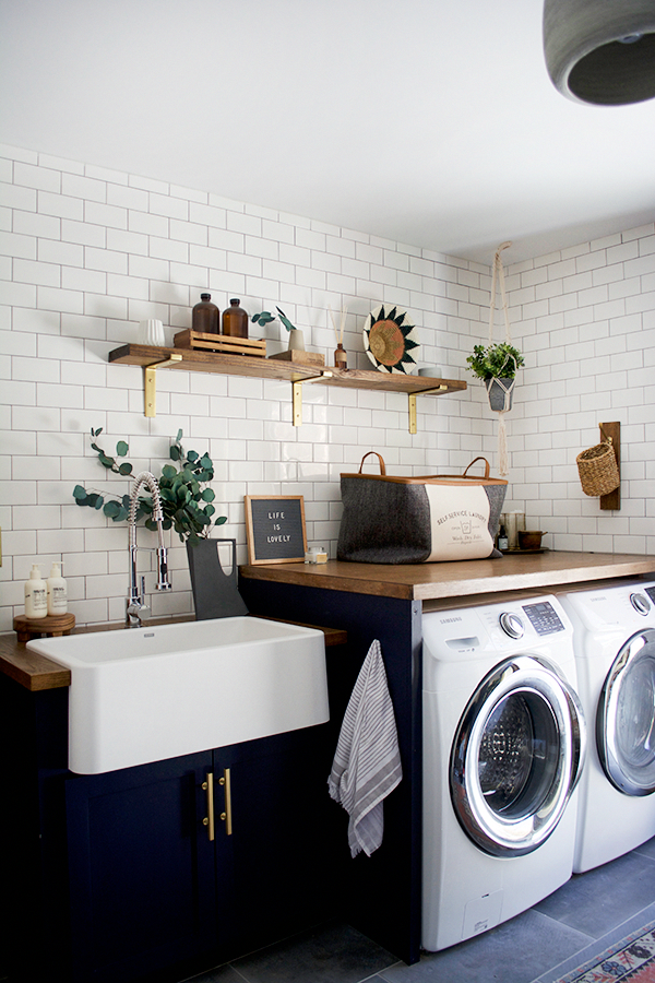 10 great modern farmhouse small laundry room ideas on extraordinary small laundry room design and decorating ideas modest laundry space id=42302