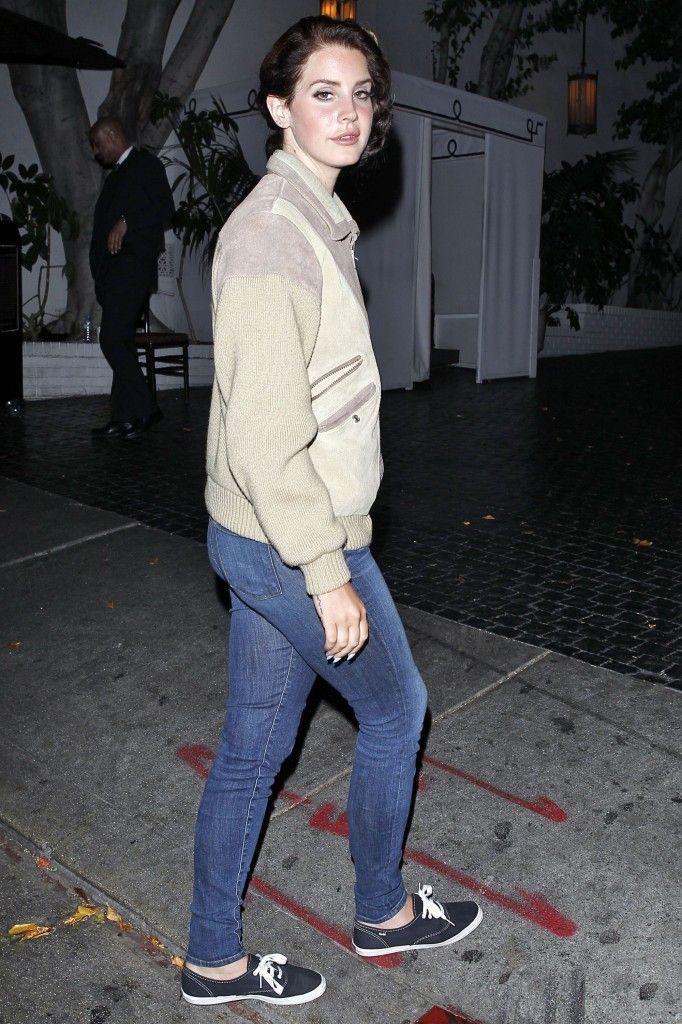fc7bb7a43a0d Lana Del Rey rocking her Keds!