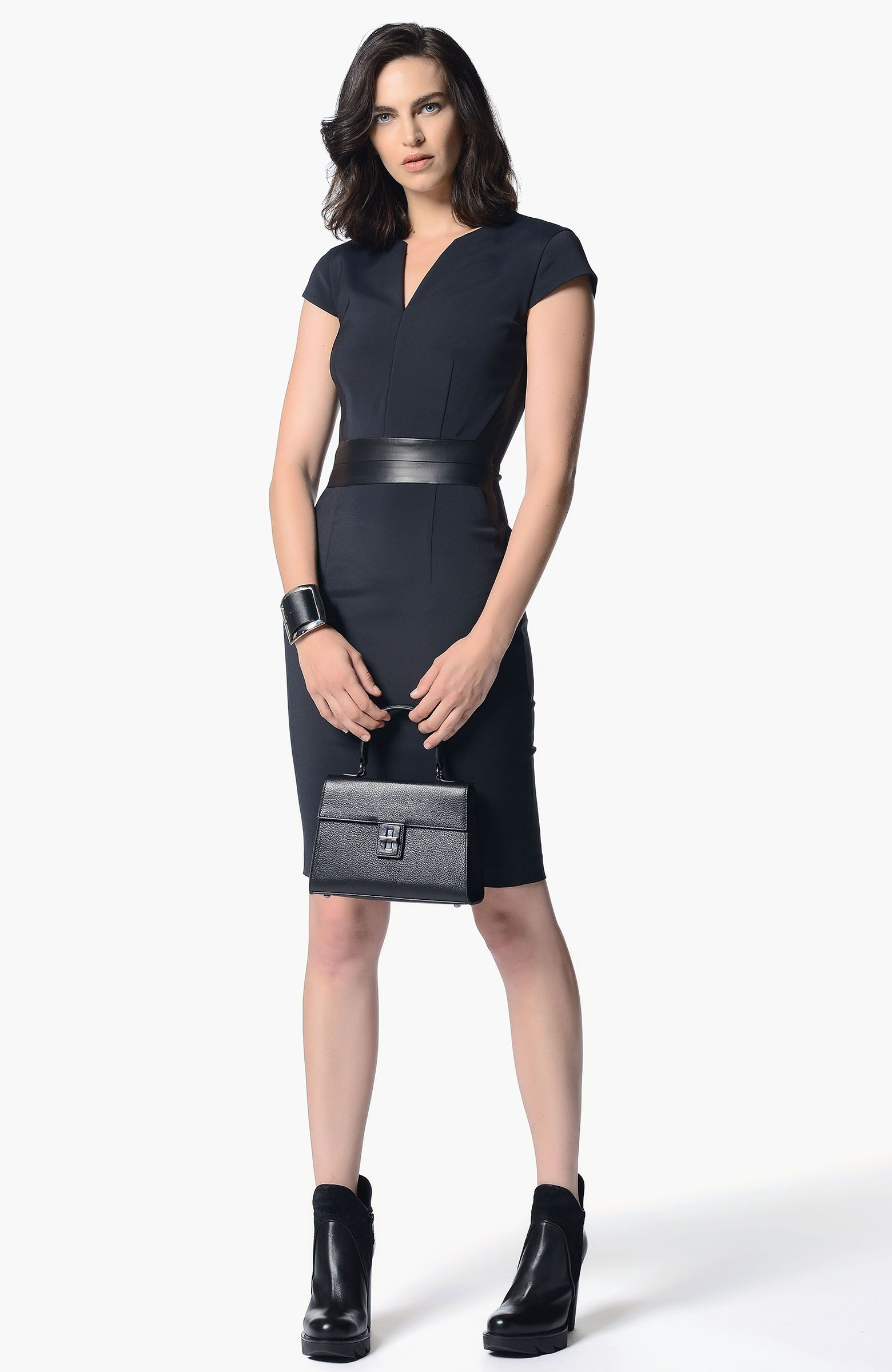 d22ee985eec0a Network Yaka Siyah Elbise | KONSEPT, kadın, klasik | Siyah elbise ...