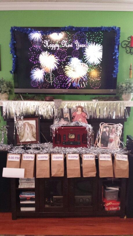 Christmas Teenage Party Ideas Part - 38: Teen New Years Eve Party. A Bag To Open Every Hour With An Activity To