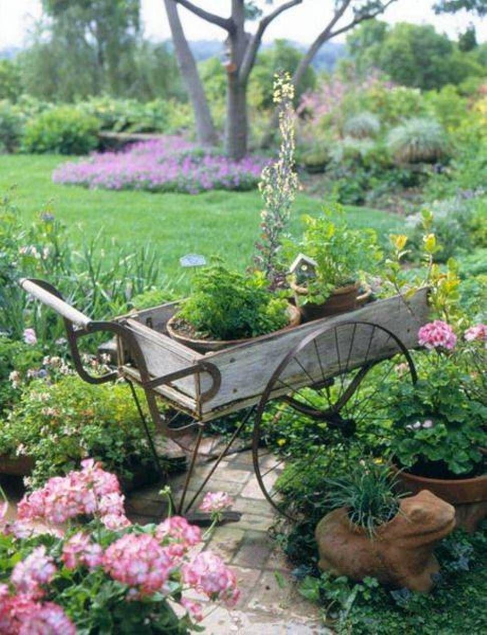 Beautiful Vintage Metal Wheel Garden Cart