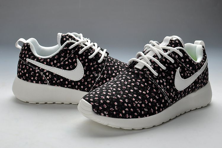 Nike Roshe Run Motif Baskets