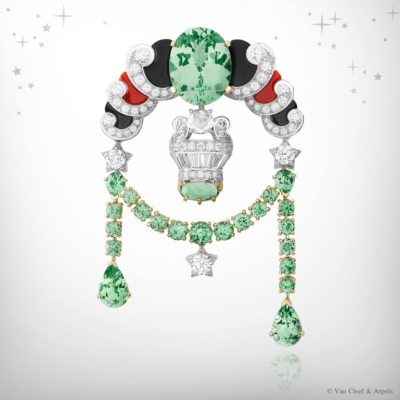 Zodiac Set Libra clip, Palais de la chance collection, Van Cleef & Arpels : white gold, diamonds, onyx, red coral, white cultured pearls, yellow gold and tsavorite garnets.