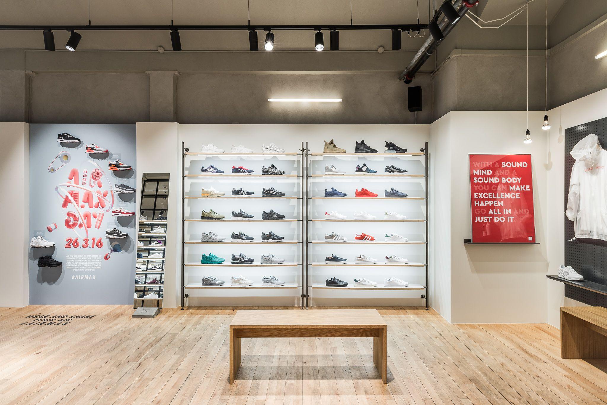 308999408b1 Rezet Sneaker Store - Jorck Passage | Rezet Sneaker Store - Jorcks ...
