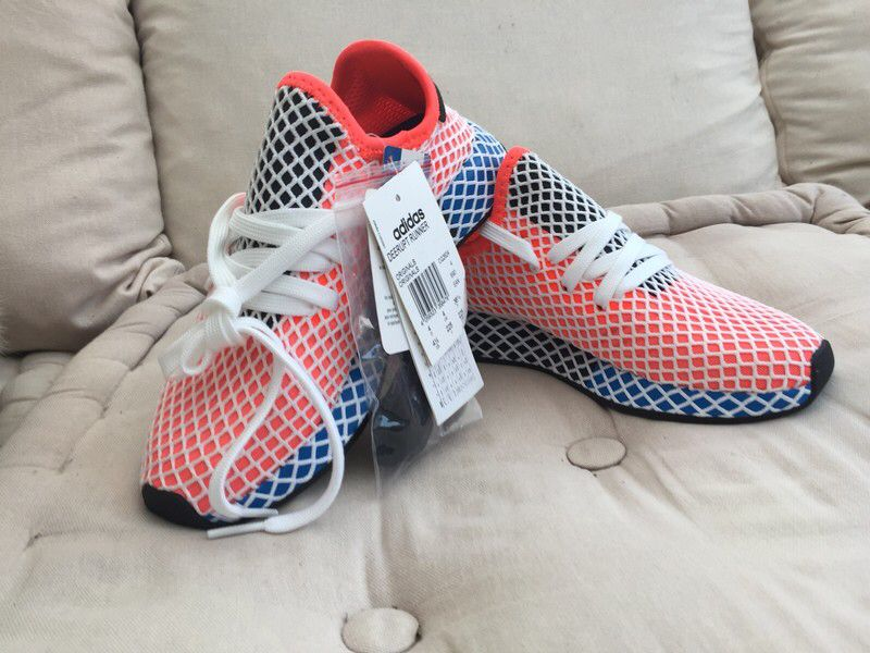 06aba39bd2c0 Basket Deerupt Adidas de marque Adidas. Taille 36 à 75.00 €   http