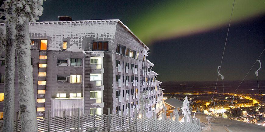 Hotel Levi Panorama sijaitsee Levitunturin laella.