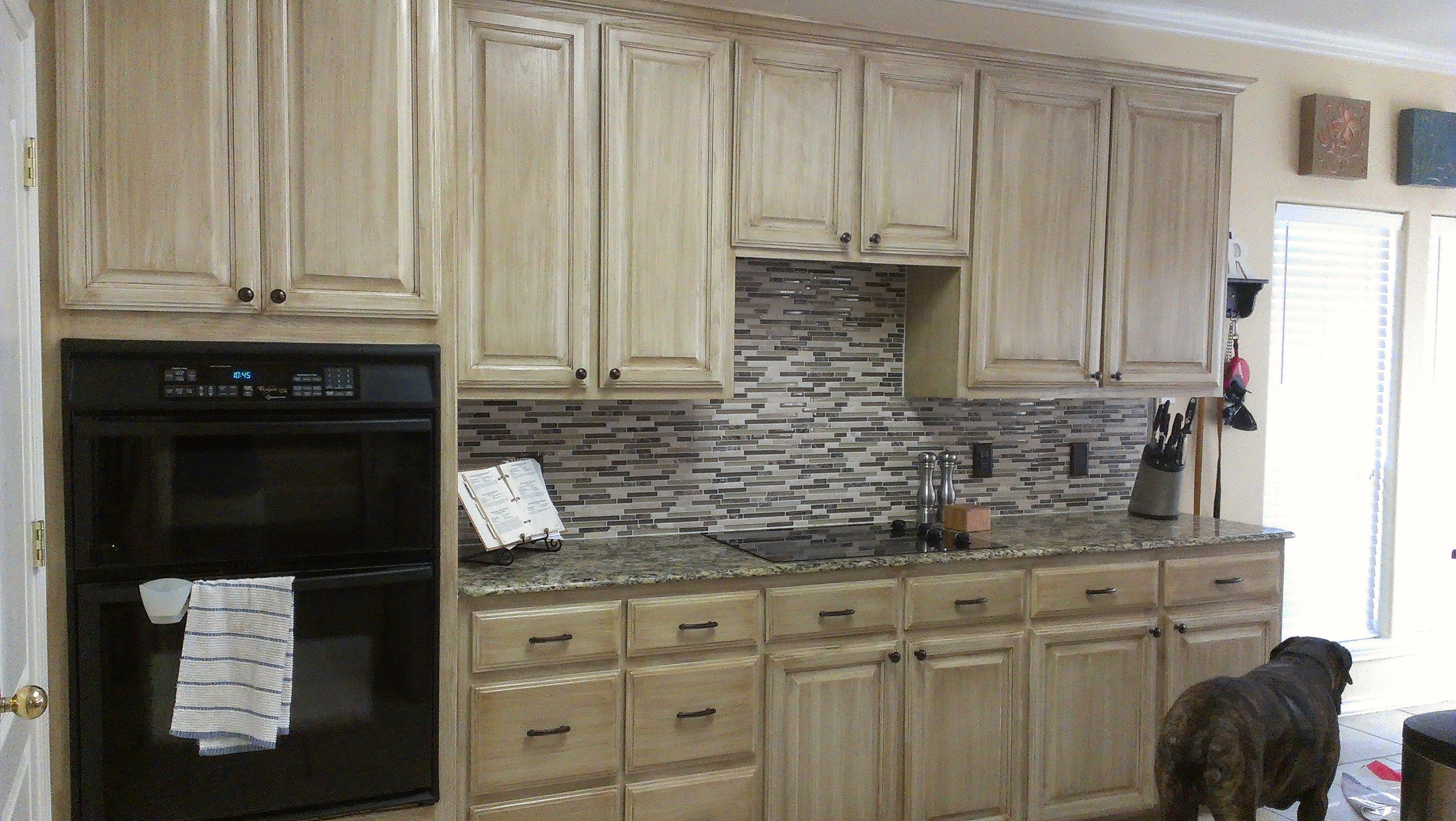 Cabinets Were Done With Rust Oleum Cabinet Transformations In Pure White The Glaze