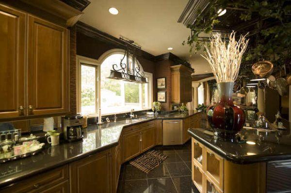 Kenny Rogers\u0027 Italian-Style Mansion in Atlanta Mansion, Kitchens
