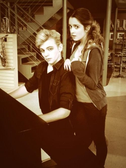Austin Moon (Ross Lynch) and Ally Dawson (Laura Marano) as Edward and Bella from Twilight.