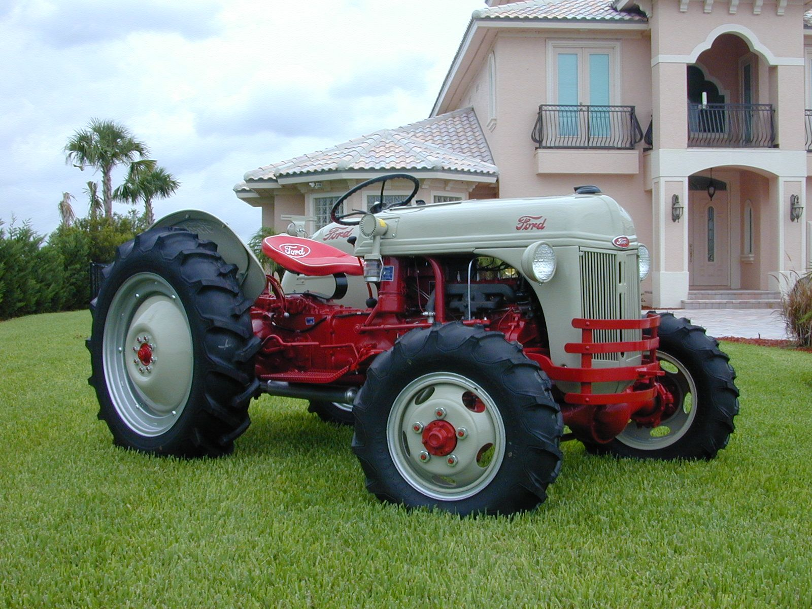 1952 8n With Elenco 4w Drive Conversion Ford Tractors Tractors